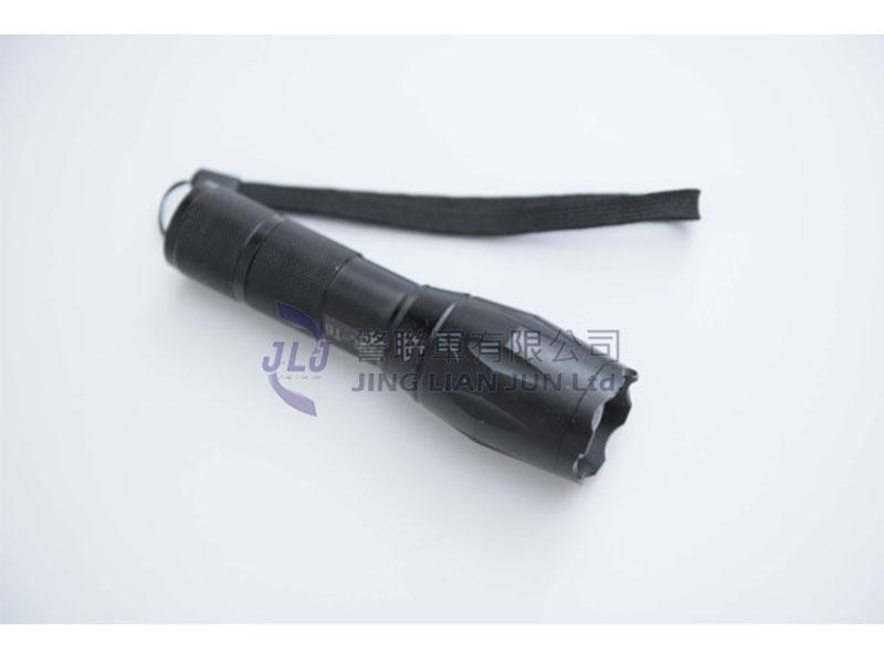 D201強光手電筒